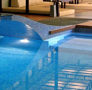 Oldsmar pool service screen repair pressure washing for Pressure clean pools